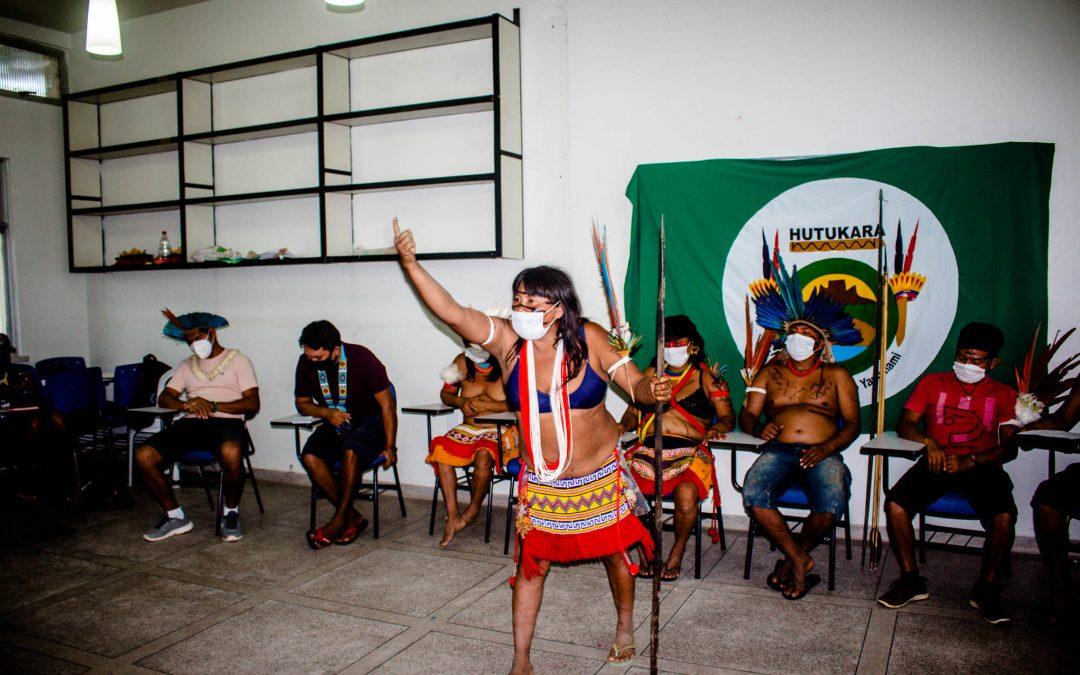 Comunidade indígena yanomami sob a mira de garimpeiros: entenda o que está acontecendo